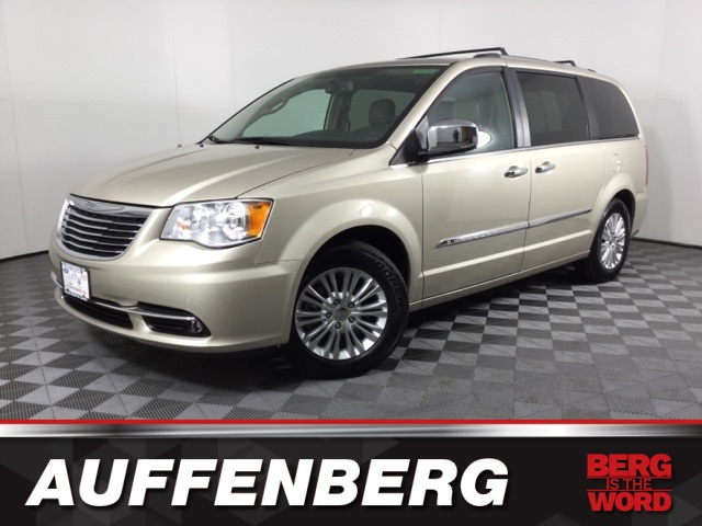New 2013 Chrysler Town & Country Limited